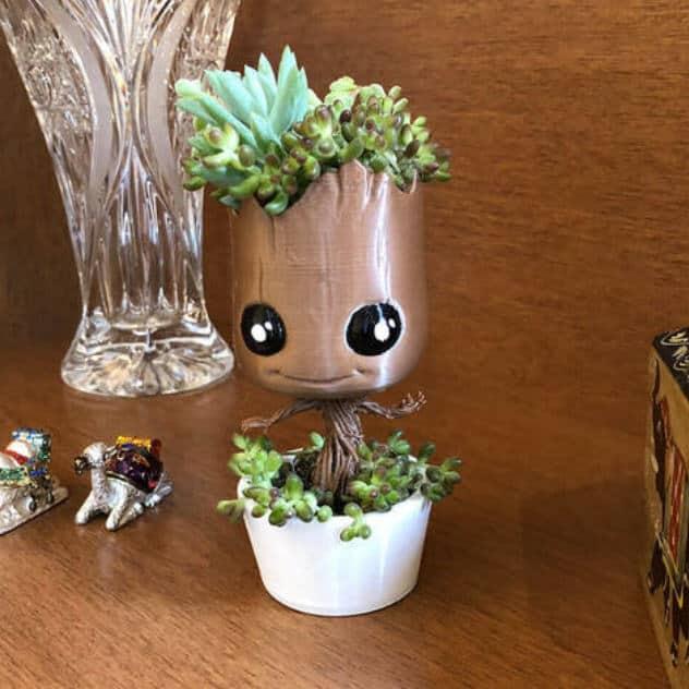 3d printing Baby Groot vase