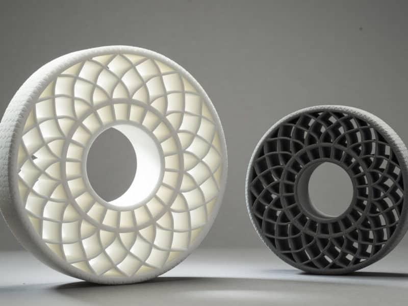 วัสดุยืดหยุ่นให้ความรู้สึกคล้ายยาง Flexible 3D Printing