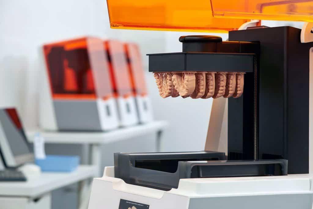 Formlabs Form 3B - รองรับ Biocompatible Materials